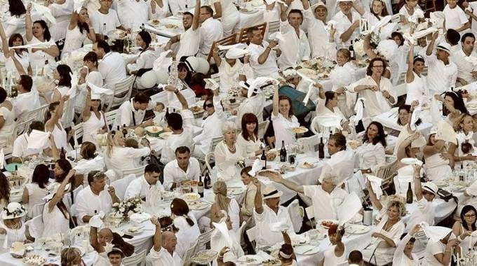 Una scorsa edizione della cena in bianco