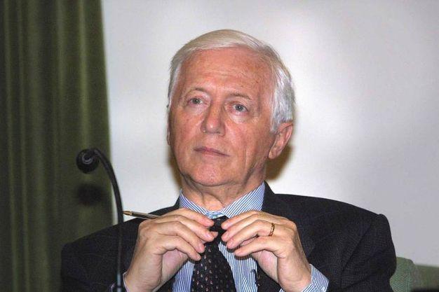 Nel 2001 a un dibattito organizzato dai giovani di Forza Italia a Scienze Politiche (New Press Photo)
