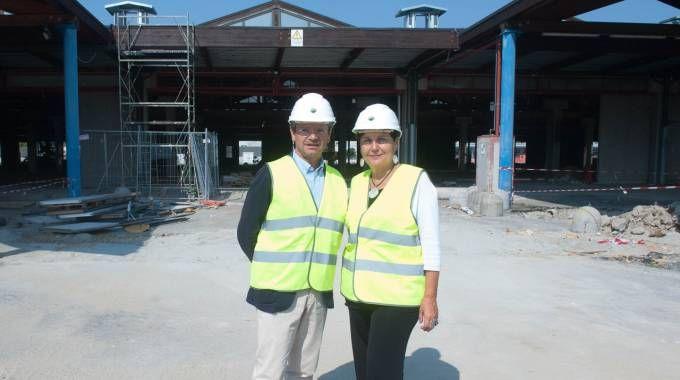 Andrea Segrè e Tiziana Primori all'interno del cantiere di Fico Eataly World (Foto Schicchi)