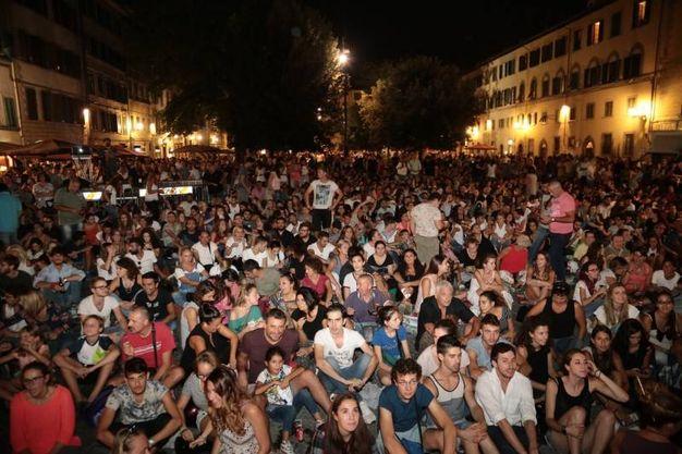 La piazza gremita per l'evento (foto Giuseppe Cabras/New Press Photo)