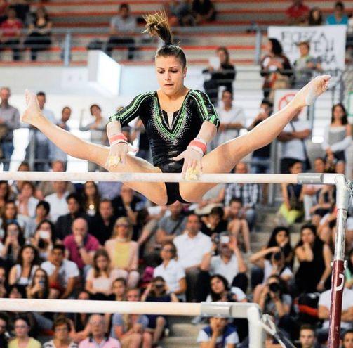 Lissone, la ginnasta della GAL Elisa Meneghini in azione