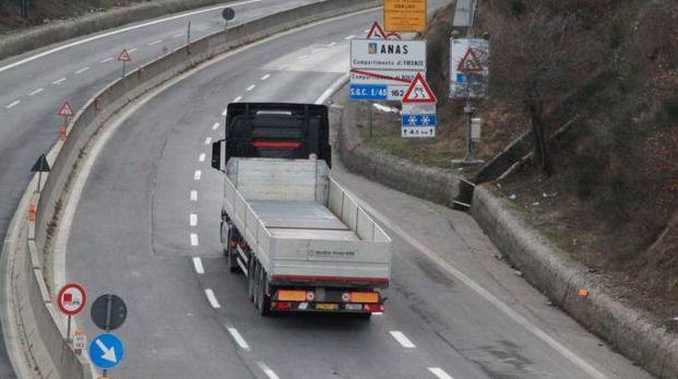 Regali dalle società di autotrasporto, bufera alla Polstrada di ...