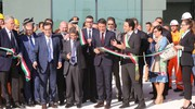 Il taglio del nastro del nuovo stabilimento Philip Morris di Crespellano con il premier Matteo Renzi (foto Schicchi)