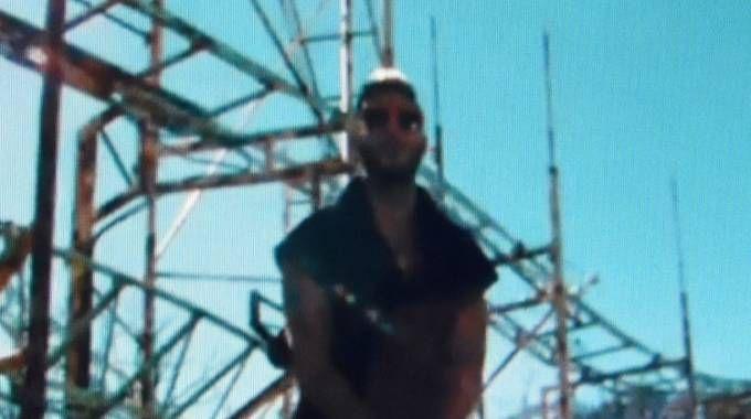 Emis Killa nel nuovo video girato a Greenland