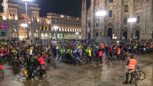 La Bike Night passa in piazza Duomo