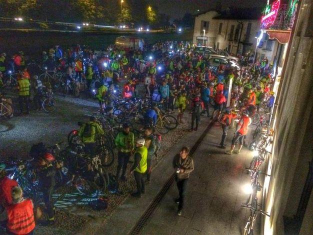 Il percorso ha portato i ciclisti da Milano ad Arona. Cento chilometri di tragitto