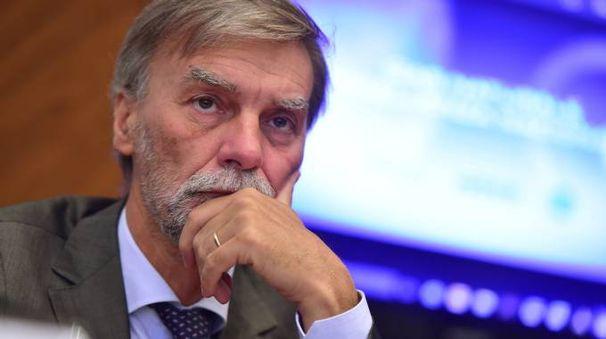 Il ministro Graziano Delrio deve scegliere la guida per i porti di La Spezia e Marina di Carrara