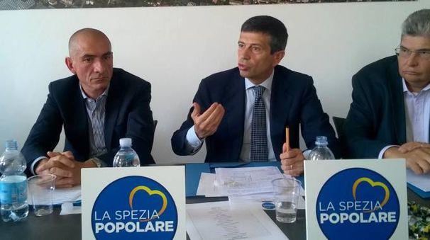 Il consigliere regionale Andrea Costa, l'onorevole Maurizio Lupi e Gino De Luca