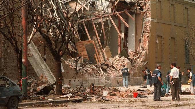 Una foto d'archivio della strage di via Palestro a Milano (Ansa)