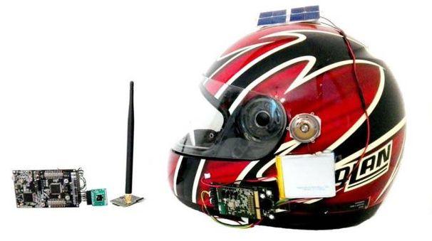 Il prototipo del casco smart Shelmet