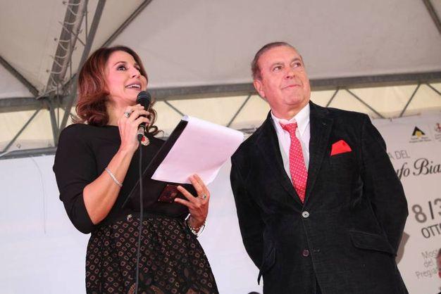 Sant'Angelo in Vado (PU), la presentatrice Barbara Capponi con l'imprenditore Fausto Galli