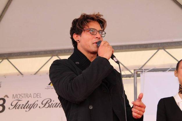 Sant'Angelo in Vado (PU), Gabriel Garko prende la parola alla 53 Mostra del tartufo bianco (Foto Nigrisoli)