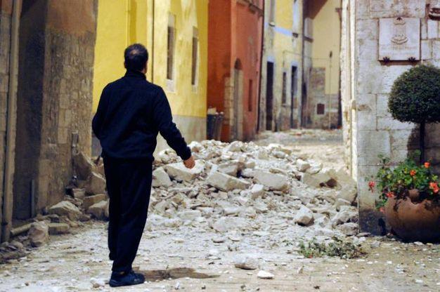 Terremoto, crolli a Visso, nel Maceratese (Foto Calavita)