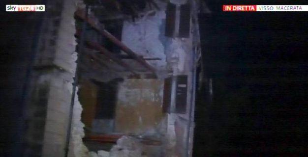 Un frame tratto da un video girato a Visso, in provincia di Macerata (Sky Tg24/Ansa)
