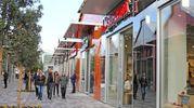 La facciata dei negozi di Scalo Milano