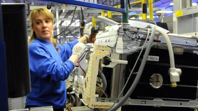 Alla Electrolux di Solaro si costruiscono lavastoviglie