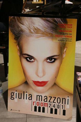 Giulia Mazzoni presenta il suo cd alla Feltrinelli Red (foto Marco Mori/New Pressphoto)