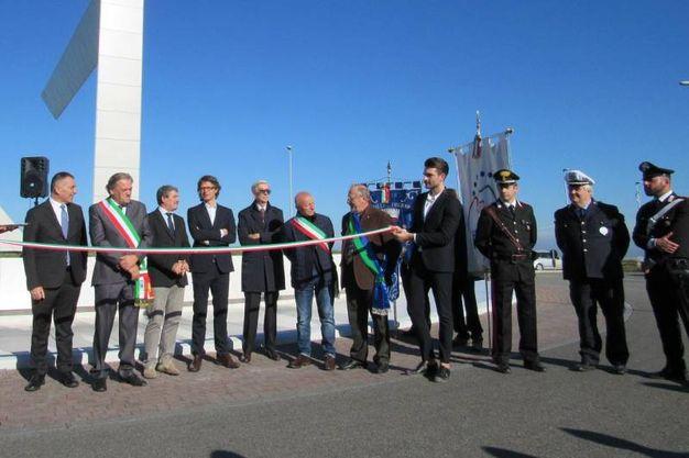 L'inaugurazione dell'opera Frame (Foto Milena Vanoni)