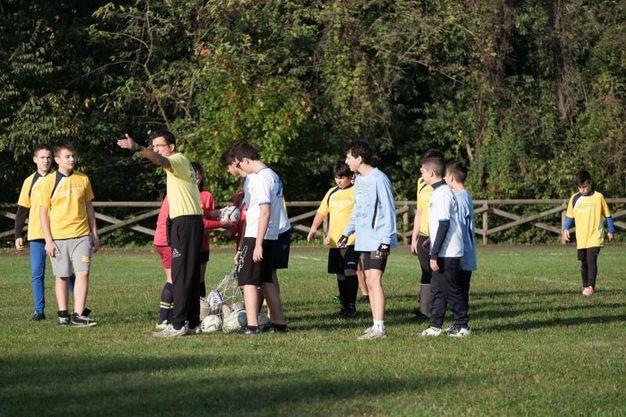 Il taglio del nastro del campo da rugby / Spf
