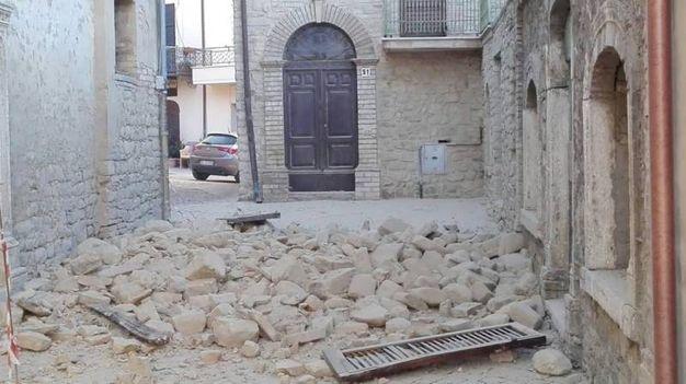 Terremoto 30 ottobre, crolli a Rotella (Foto Porfiri)