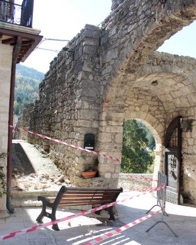 Terremoto 30 ottobre, danni Castel Trosino (Foto Mancini)