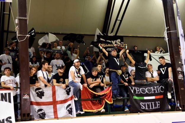 Bondi-Segafredo, i tifosi della Virtus (foto BusinessPress)