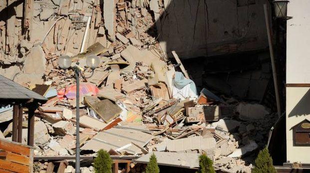 Terremoto, crolli a Ussita