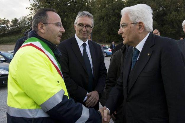 Il Presidente Sergio Mattarella con il Sindaco di Camerino, Gianluca Pasqui visita le zone terremotate (Foto da Quirinale.it)