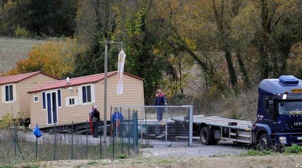 Terremoto, casette di legno (foto Calavita)