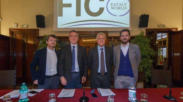 Da sinistra: Andrea Segrè, il prorettore Rotolo, il ministro Galletti e l'assessore Matteo Lepore
