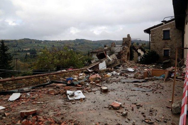 Villetta crollata a Bagno a Ripoli, raccolti fondi per la famiglia ...