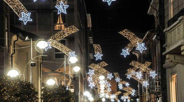 Luminarie natalizie in centro a Busto Arsizio