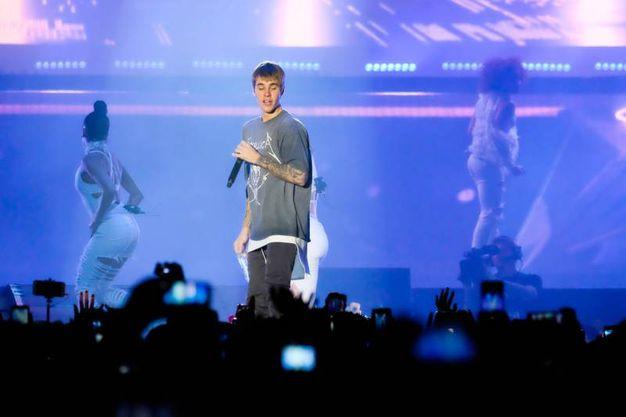 Ballo, effetti speciali, luci e tanta musica per i 15mila fan in delirio di Justin Bieber (Foto Schicchi)