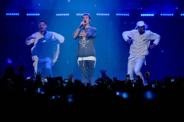 Il maltempo non ha fermato i 'Beliebers' da tutta Italia a Bologna per il concerto di Justin Bieber (Foto Schicchi)