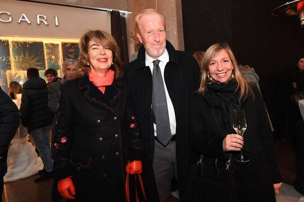 A sinistra Paola Pizzighini e a destra Marilena Pillati (vicesindaco). Al centro un ospite