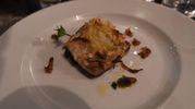 Il primo secondo: filetto di rombo in gratin al forno con scapece di zucchina, aglio e mentuccia. Il vino servito con i primi e il rombo è stato un Tornese di Drei Donà, 50% Riesling 50% Chardonnay