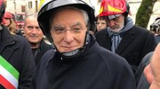 Il presidente Sergio Mattarella con il casco (foto Ansa)