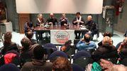 Sala piena per Federico Pizzarotti all'incontro organizzato da CambieRà (Foto Zani)
