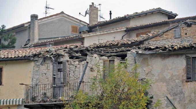 I danni del terremoto di ottobre in una frazione di  Pieve Torina (Calavita)