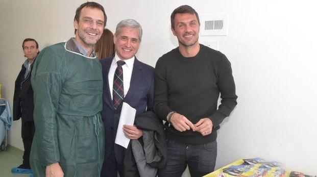 Alessandro Preziosi in  oncoematologia pediatrica del San Matteo con Paolo Maldini