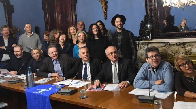 Il gruppo di sostenitori del progetto 'Bån Nadèl' (Fotoschicchi)