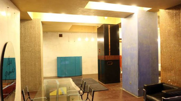 Bologna, un temporary shop da Dino Gavina in via Altabella (foto Schicchi)