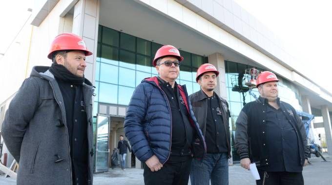 Nicola Vandi, Fabio La Corte, Stefano Landi e Riccardo La Corte davanti all'Academy (foto Frasca)