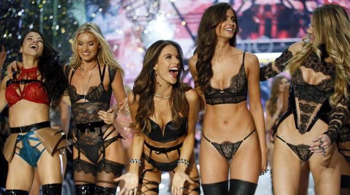 Victoria's Secret Fashion Show (Ansa)