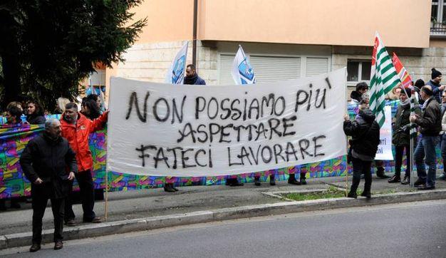 Uno dei cartelloni esposti (foto Calavita)