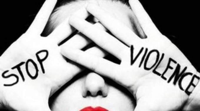 Femminicidi, la strage non si arresta: 5 casi in poche ore