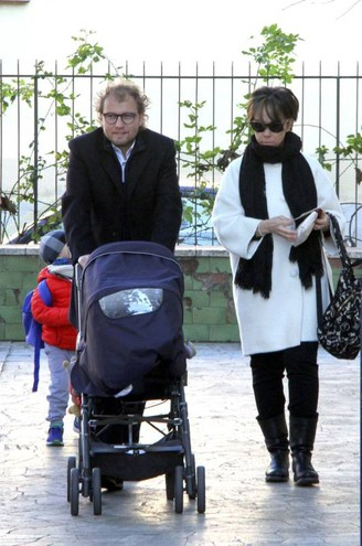 Il sottosegretario alla Presidenza del Consiglio Luca Lotti con la famiglia al voto (foto Umberto Visintini/New Press Photo)