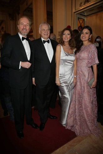 Arturo Artom e Alexander Pereira insieme alle mogli (Olycom)