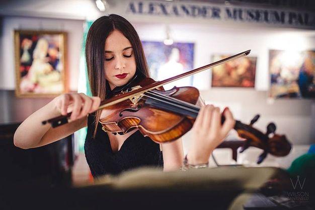 Italia-UzbekistaN: la violinista Ilaria Massacesi