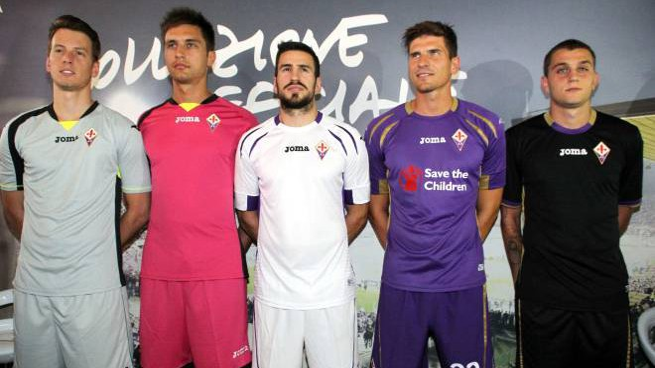 Fiorentina, nuove maglie ed entusiasmo: